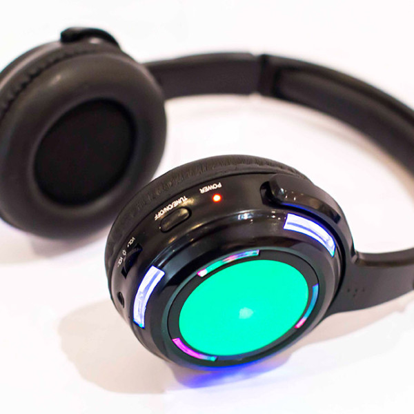 led-headphone